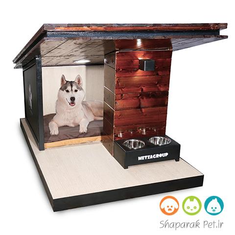 خانه چوبی سگ شیروانی دار همراه با ظرف غذای مجزا